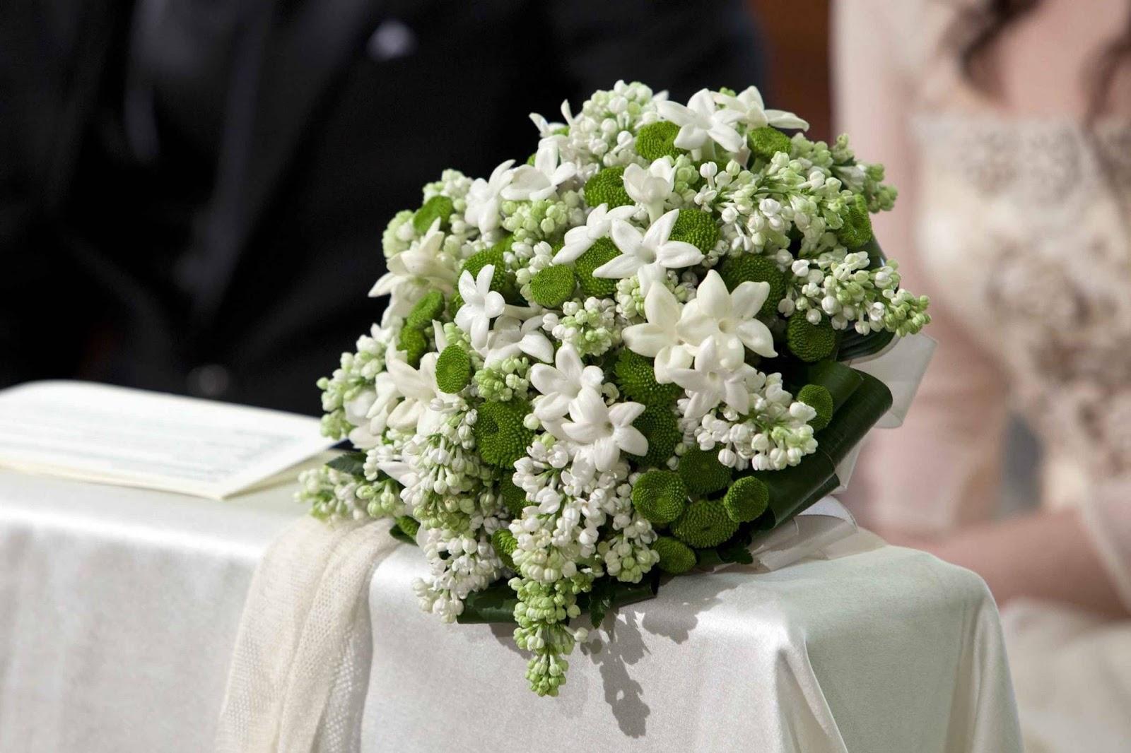 Nomi Fiori Bianchi Matrimonio.Bouquet Consigli Preziosi Per La Sposa Perfetta Annalisa Fieni